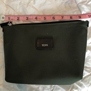 Tumi soft pouch never used—NEW! Hunter green/black